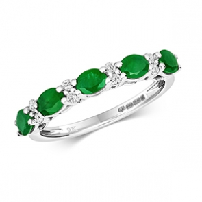 Diamond & Emerald 13 stone ring, 1.35ct, 9k White Gold